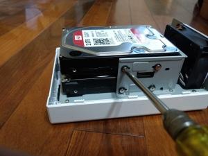 ハードディスク取り付け|DS218j