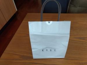 Knotの紙袋