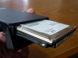 HDD挿入|名もなきUSB3ハードディスクケースを買った件
