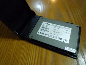 SSDを装着する|2.5インチポータブルハードディスク・SSDケースLGB-PBSU3を買った件